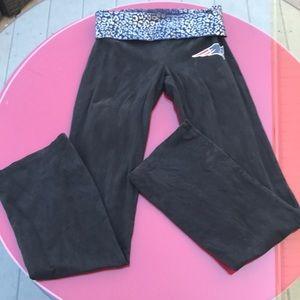 Victoria secret pink patriot yoga pants